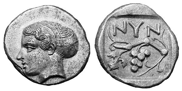Голова нимфы помещалась на серебряных монетах и в V в. до н.э.